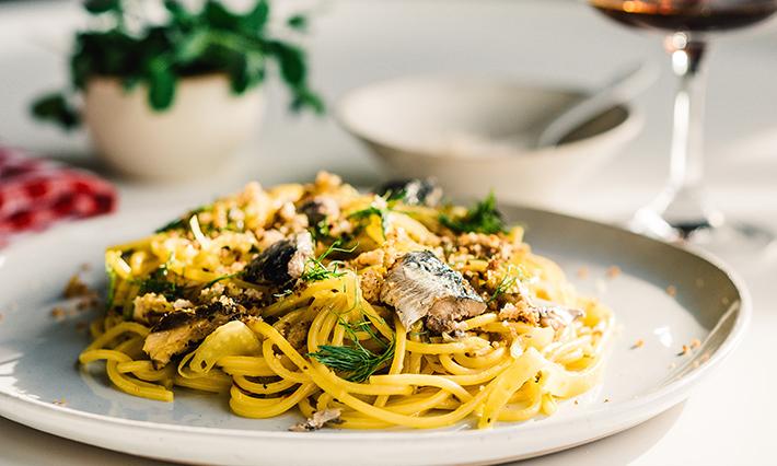 A plate of Pasta con le Sarde