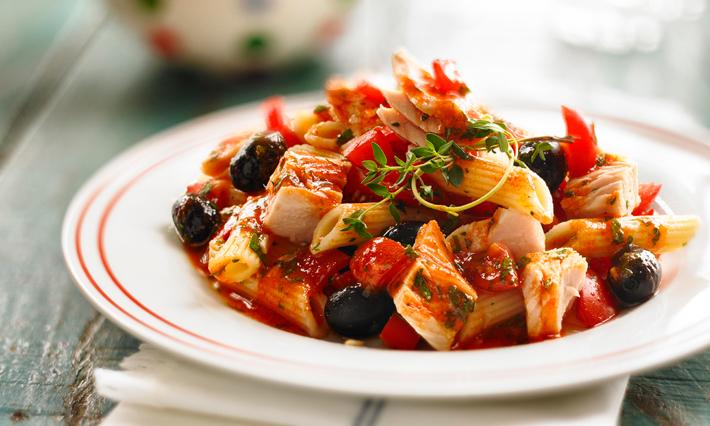 Tuna and Olive No-Cook Tomato Sauce