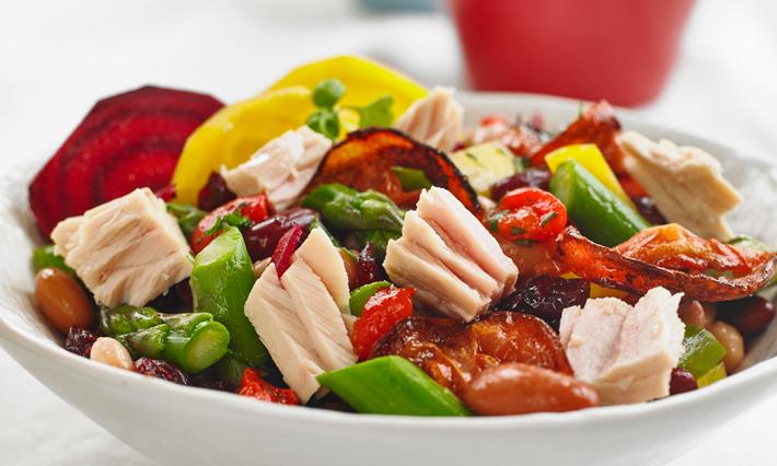 Tuna, Roasted Beets and Asparagus Salad