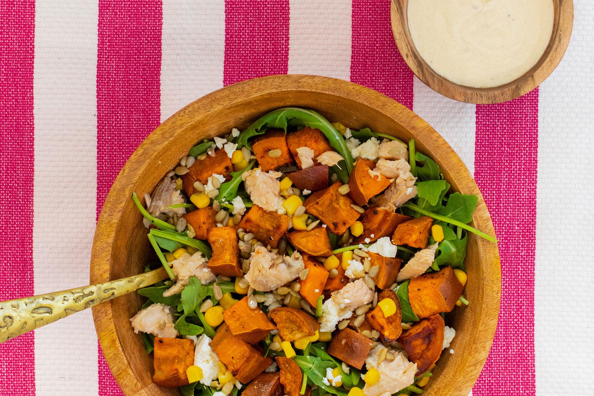 La meilleure salade estivale à partager au saumon