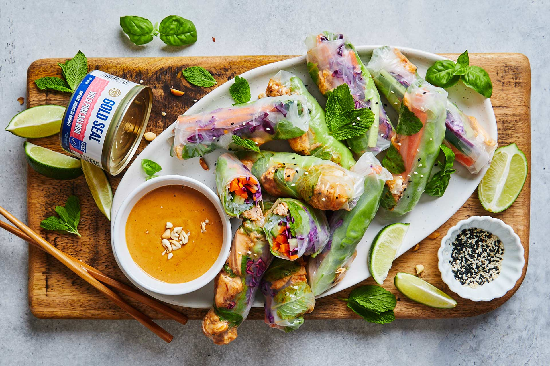 Fresh Spring Rolls With Salmon and Peanut Sauce