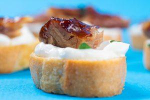 Smoked-Mackerel-Horseradish-Sour-Cream-Crostini-FEATURE-1