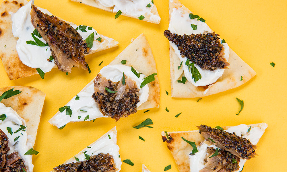 Smoked-Mackerel-Peppered-with-Pita-and-Tzatziki-1