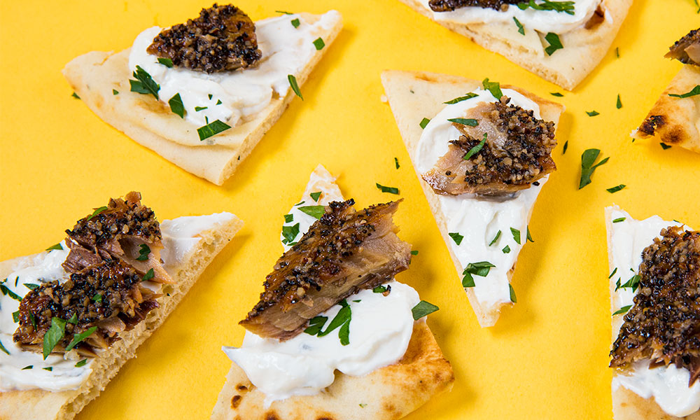 Smoked-Mackerel-Peppered-with-Pita-and-Tzatziki-3