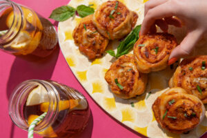 GOLD_SEAL-AUTHENTICA-SALMON_PIZZA_WHEELS-Feature